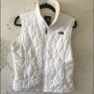 NORTH FACE White Quilted Star Vest